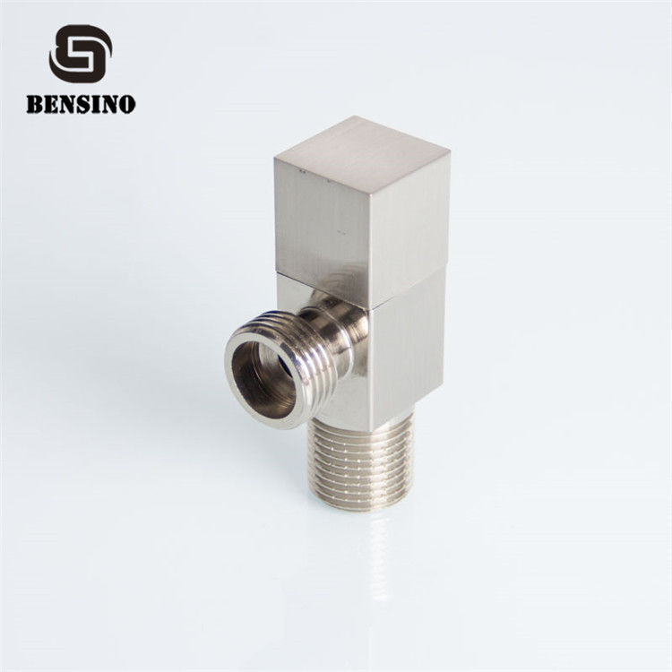 Nickel Plated Drawing 90 ℃ 0.18N Brass Angle Valve